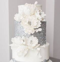 Pretty White Cake with flowers